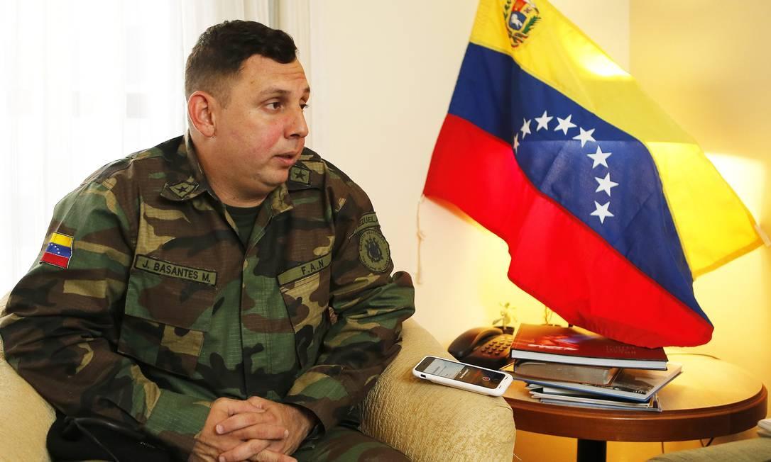 Adido: Basante, que comandava base com 150 homens, será representante militar de Guaidó no Brasil Foto: / Jorge William