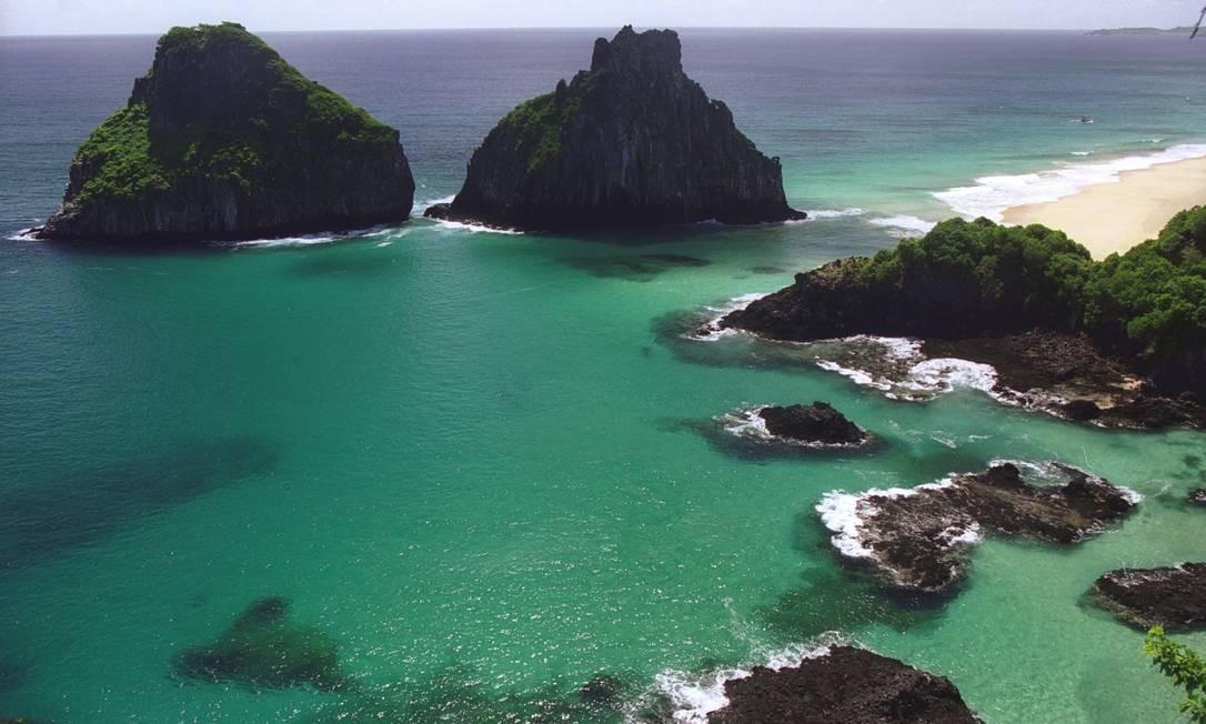 Morro dos Dois Irmãos, no arquipélago de Fernando de Noronha Foto: Fábio Seixo