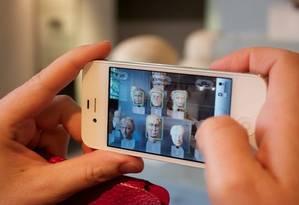 Aplicativos na internet permitem alterar imagens originais que acabam transformadas em conteúdo falso Foto: Alexander Baxevanis / Flickr