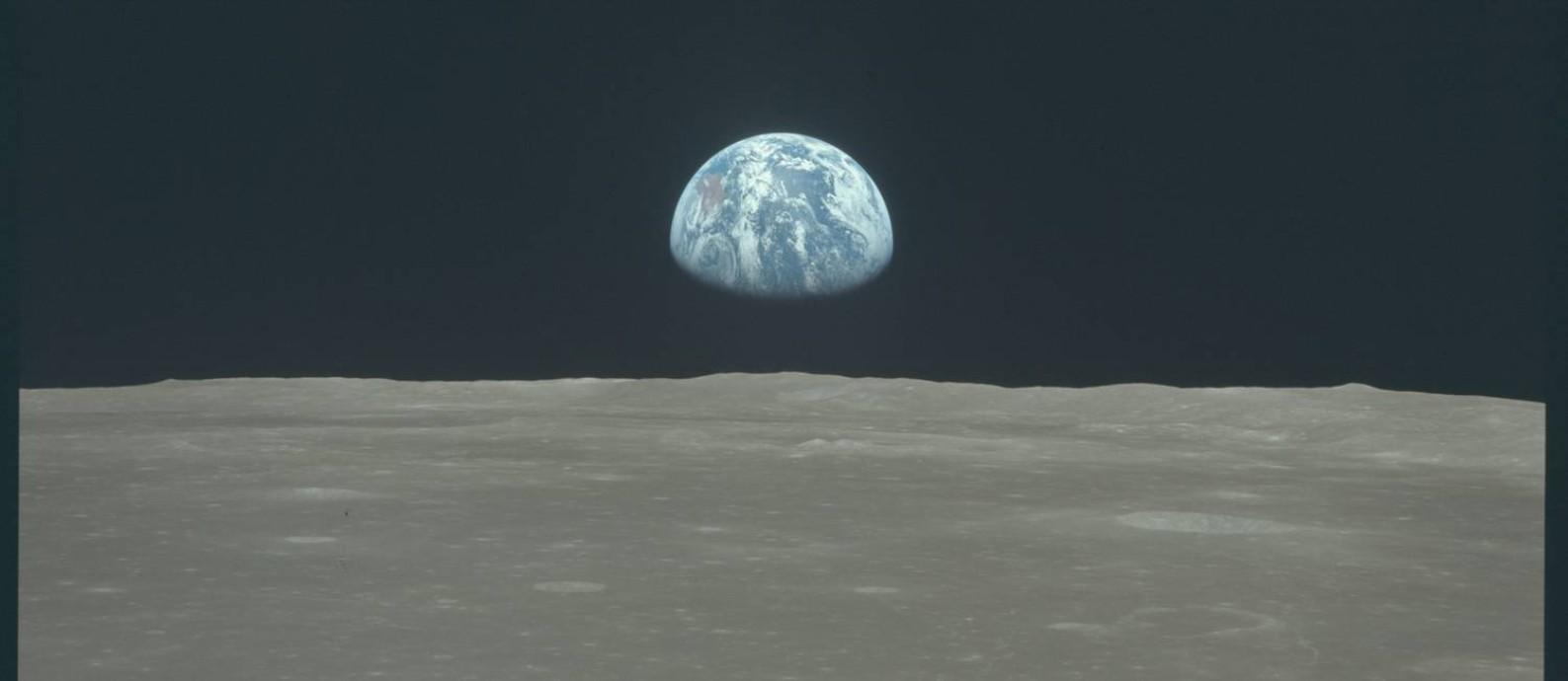 'Nascer da Terra' visto pelos astronautas da Apollo 11 na órbita da Lua: sucesso da missão esgotou apelo de propaganda ideológica Foto: Nasa