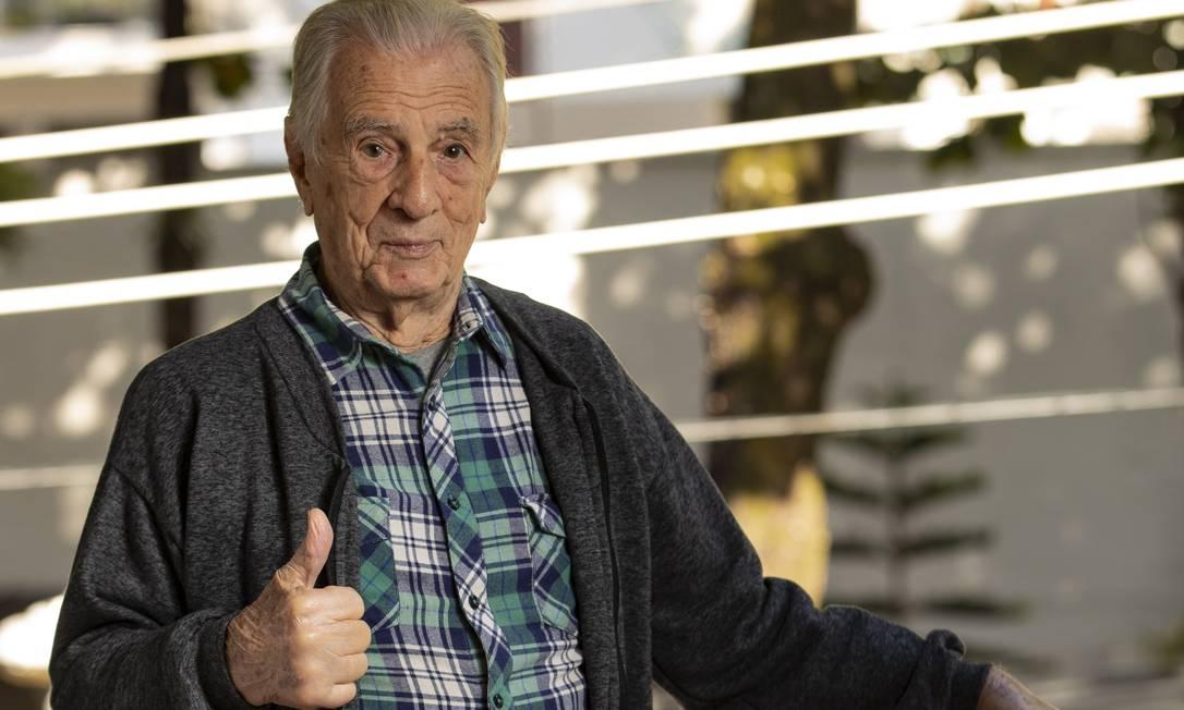 O ator Orlando Drummond completa 100 anos no dia 18 de outubro: 'Não tenho do que me queixar' Foto: Ana Branco / Agência O Globo