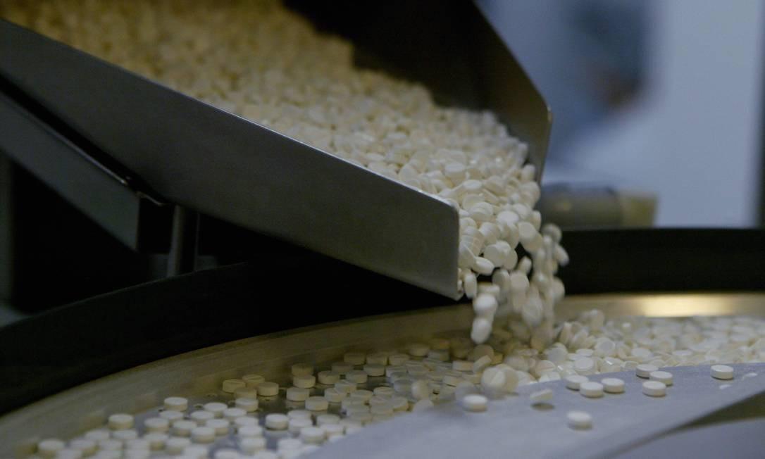 Fábrica de medicamentos do governo federal, Farmanguinhos, em Jacarepaguá, será uma das impactadas Foto: Michel Filho / Agêcia O Globo