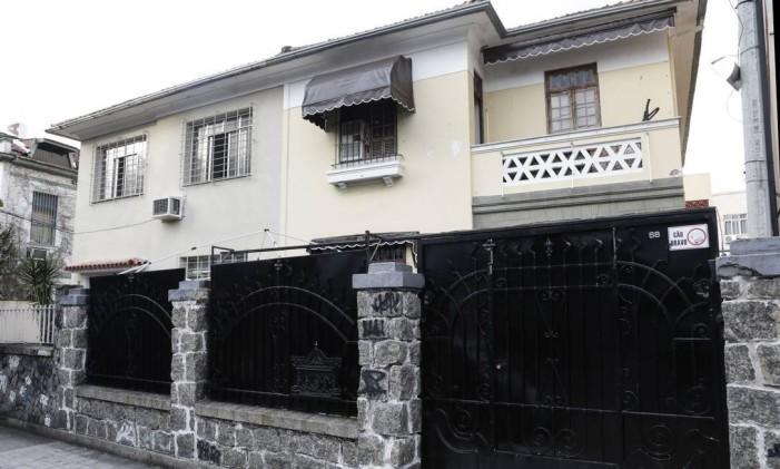 Quebra de sigilo mira negócios imobiliários de Flávio Bolsonaro: na foto, a fachada de uma das empresas sob sigilo, a Linear Foto: Marcos Ramos / Agência O Globo