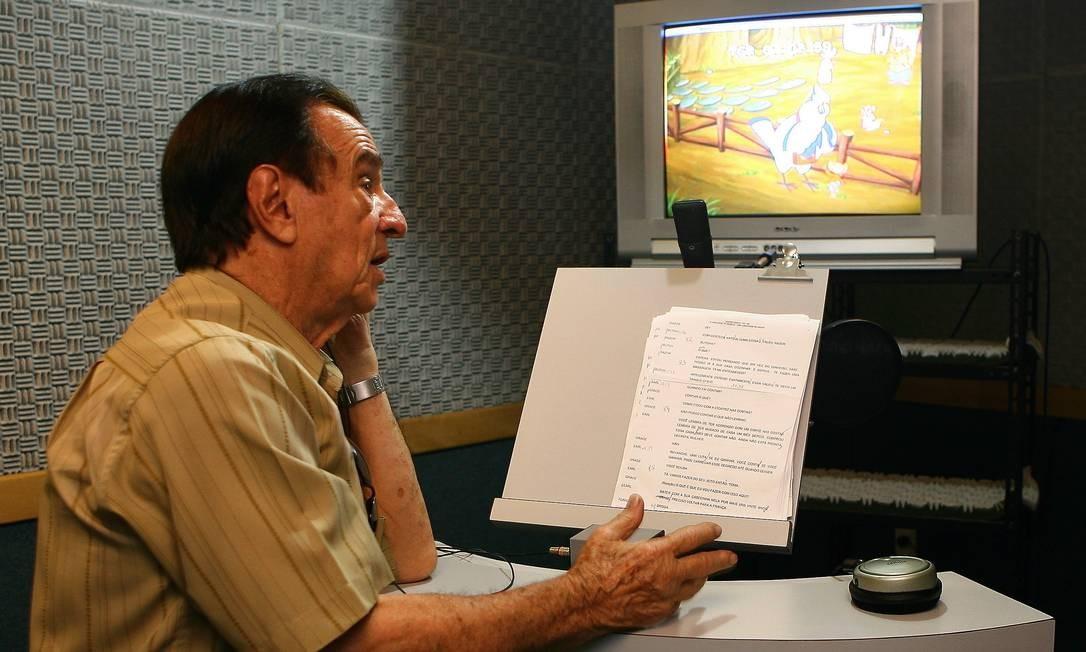 Orlando Drummond em um de seus trabalhos como dublador Foto: Marco Antônio Cavalcanti / Agência O Globo
