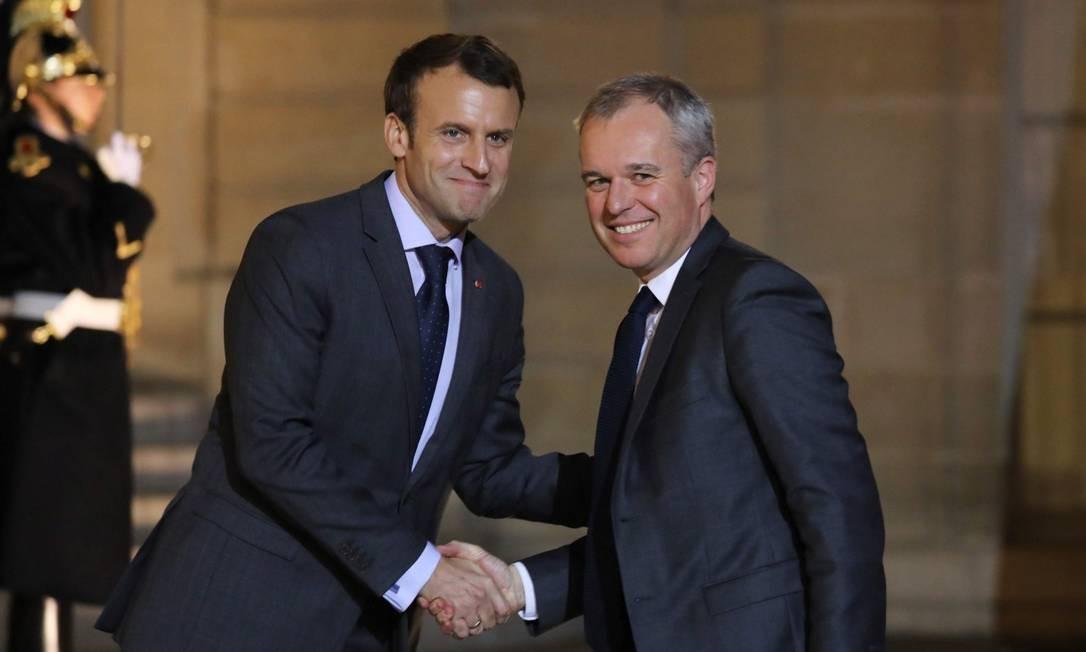François de Rugy, à direita, com Macron: escândalo envolvendo jantares caros Foto: LUDOVIC MARIN / AFP