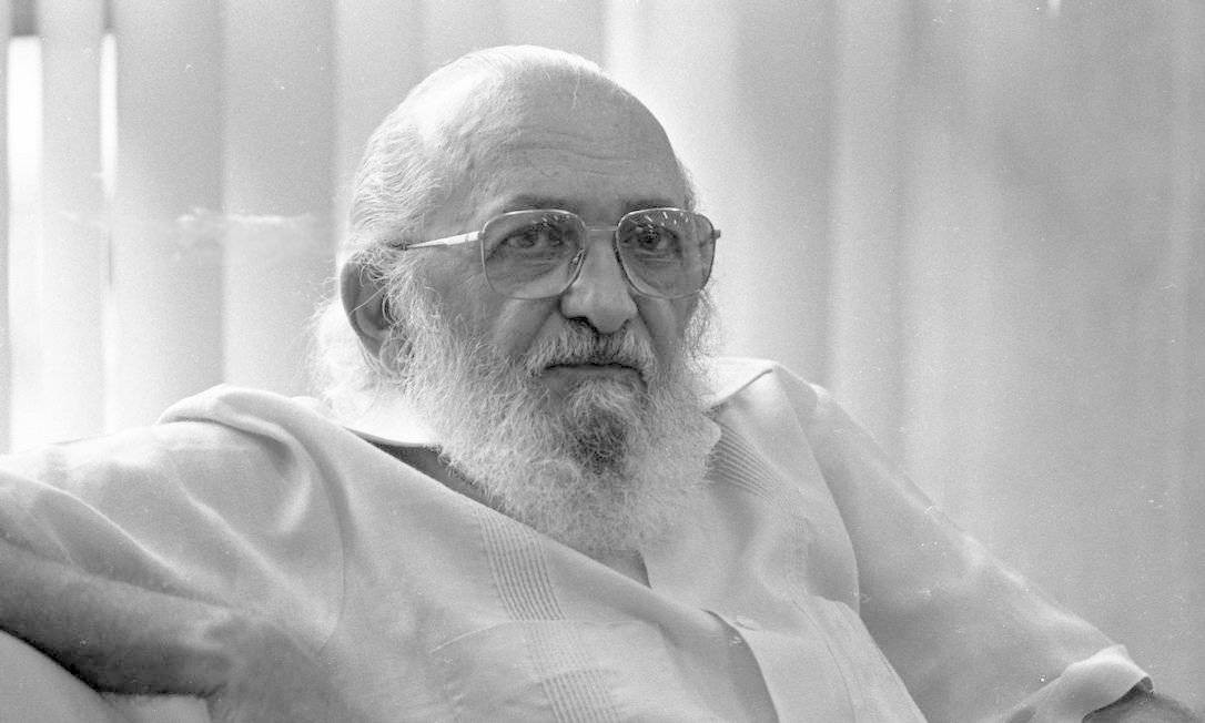 O educador Paulo Freire, em foto de 1989 Foto: Silvio Correa / Agência O Globo