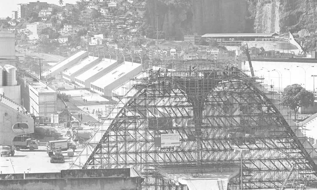 O Sambódromo, projeto do arquiteto Oscar Niemeyer, foi inaugurado em 1984 Foto: Paulo Moreira / Agência O Globo
