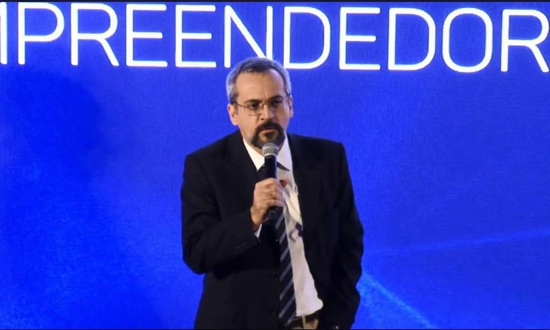 O ministro da Educação, Abraham Weintraub, apresenta projeto Future-se, de financiamento das universidades federais Foto: Facebook MEC / Reprodução