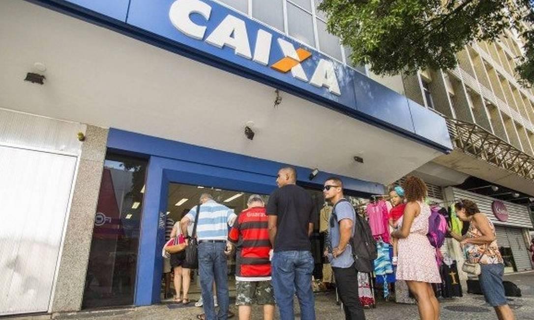 Agência da Caixa Econômica Federal: banco é o gestor dos recursos do FGTS Foto: Bárbara Lopes - Agência O Globo