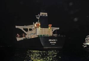 Navios de propriedade de empresas iranianas, como o Grace 1, estão sujeitos às sanções aplicadas pelos EUA por causa do programa nuclear do país. No caso dos navios iranianos no Brasil, Petrobras diz temer punições caso forneça combustível a eles. Foto: POOL / UK Ministry of Defence