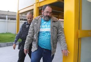 O vereador Davi Brasil Caetano é preso, suspeito de chefiar milícia Foto: Fabiano Rocha / Agência O Globo