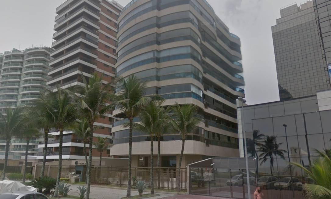 Apartamento em prédio à beira-mar na Barra da Tijuca é um dos endereços listados por Senad Foto: Google Maps / Reprodução