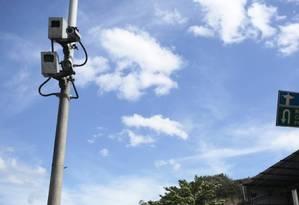 Radar instalado próximo ao Complexo do Caramujo, na RJ 104 Foto: Thiago Freitas / Agência O Globo