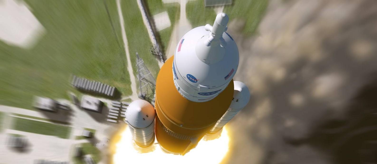 Ilustração do lançamento do superfoguete SLS, com a cápsula Órion no topo: Nasa pretende usar sistema para voltar à Lua e seguir para Marte Foto: / Nasa