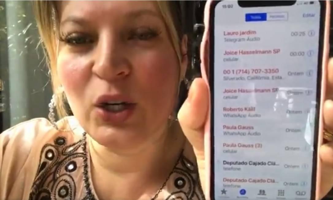 Em vídeo compartilhado nas redes sociais, a deputada federal Joice Hasselmann afirma que teve telefone clonado Foto: Reprodução / Twitter