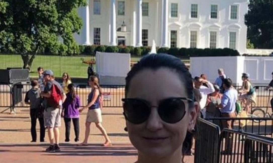 Rosângela Moro posa diante da Casa Branca, em Washington Foto: Reprodução/Instagram