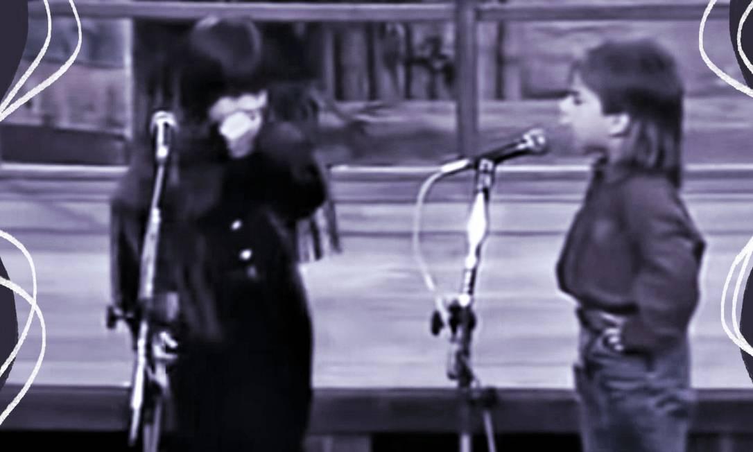 """Sandy e Junior, crianças, cantando a música """"Maria Chiquinha, que tem em sua letra um feminicídio: os cantores afirmam que a canção, sucesso na voz deles nos anos 90, não é mais aceitável Foto: Arte sobre reprodução de vídeo"""