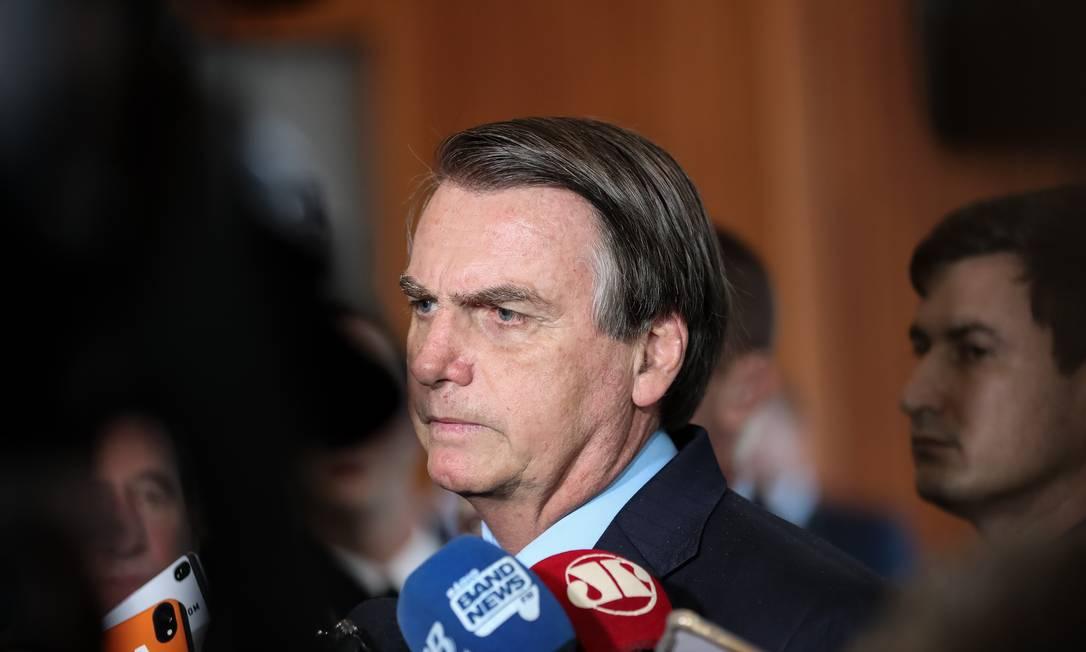 O presidente Jair Bolsonaro fala com a imprensa após reunião Foto: Marcos Corrêa/PR