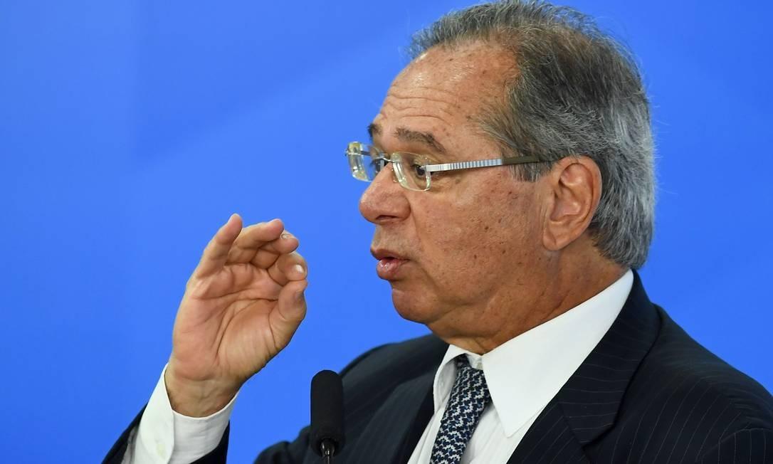 Guedes afirmou que liberação de contas ativas e inativas será 'para sempre' Foto: EVARISTO SA / Agência O Globo