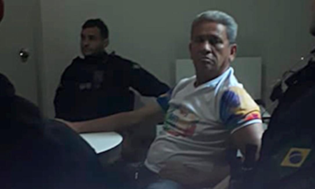 Supostos agentes da PRF na sede do sindicato em Manaus Foto: Agência O Globo