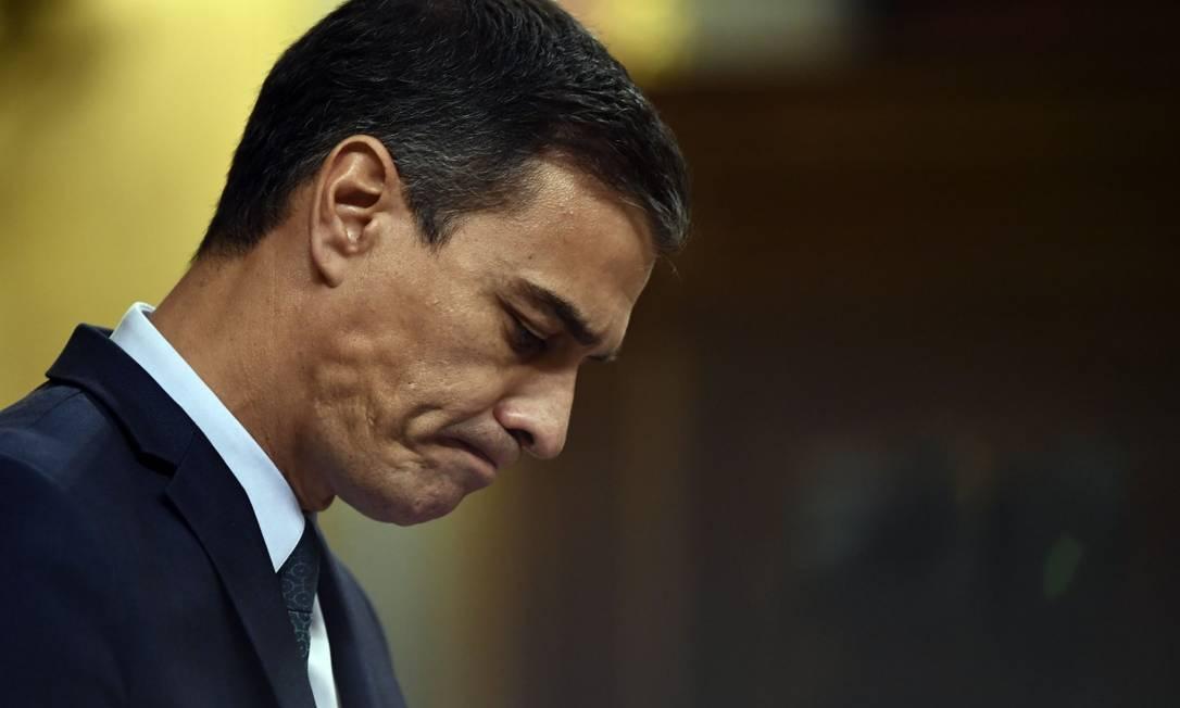Primeiro-ministro Pedro Sanchez no Parlamento espanhol, em discurso antes de votação para confirmação de governo Foto: OSCAR DEL POZO / AFP