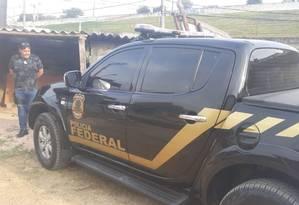Um dos carros clonados usados pela quadrilha para roubar aeroporto foi abandonado na Zona Leste de São Paulo Foto: Divulgação/PRF
