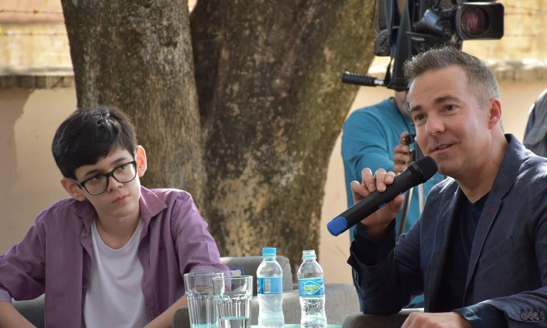 Fabrício Pupo e David Ebershoff, em conversa na NovaEscola, em Campo Grande Foto: Evelise Couto / Divulgação