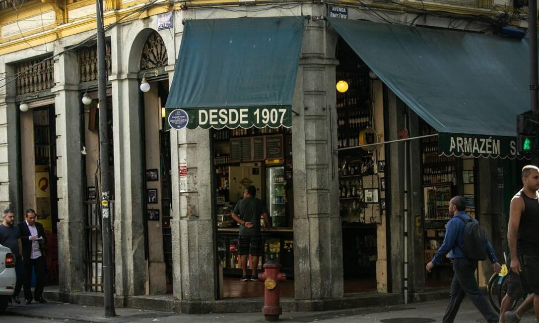 Armazém Senado ocupa um belo casarão de esquina desde 1907 Foto: BRENNO CARVALHO / Agência O Globo