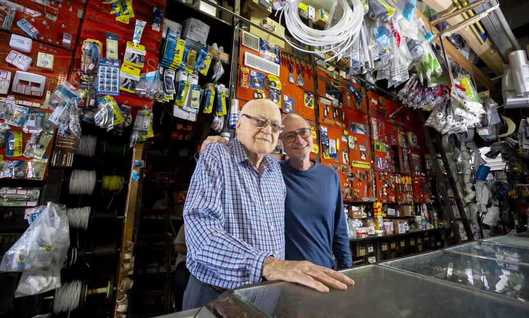 Casa Campos. O fundador Domingos Campos (à esquerda) e o filho, Marcelo Foto: Bruno Kaiuca / Agência O Globo