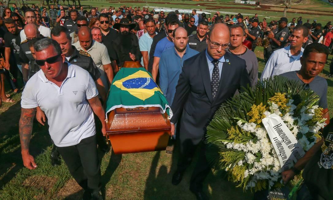 Witzel participa do enterro de policial morto em janeiro ao tentar impedir arrastão na Linha Amarela 06.01.2019 Foto: Marcelo Régua / Agência O Globo