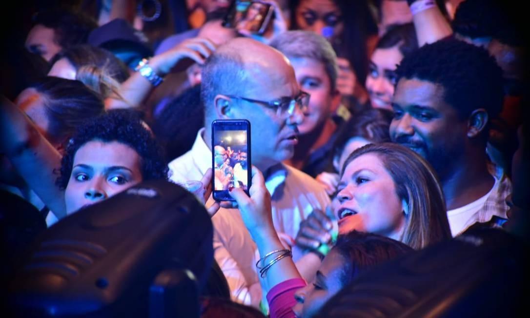 Mulher grava Witzel na plateia do show Foto: Reprodução