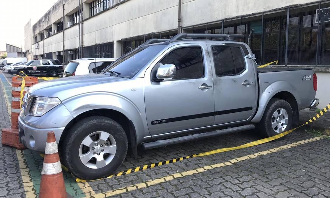 Polícia apreendeu na Zona Leste de São Paulo quatro carros usados pelos assaltantes que levaram 720 quilos de ouro do Aeroporto de Guarulhos Foto: Ana Letícia Leão / Agência O Globo