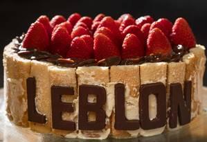 Torta comemorativa do Colher de Pau, na Rua Rita Ludolf 90 Foto: Ana Branco / Agência O Globo
