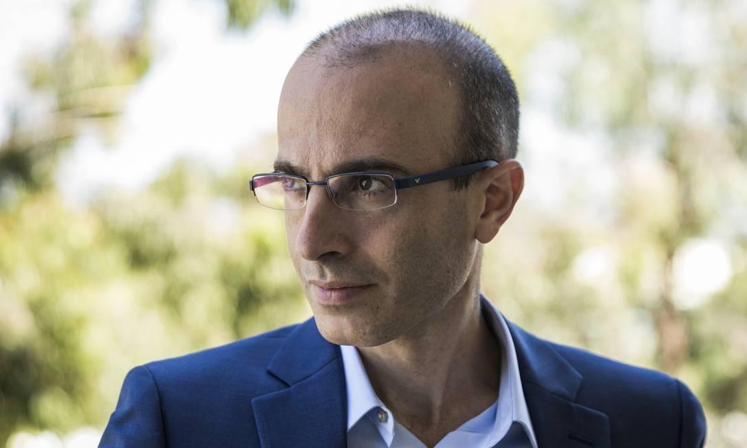 """Yuval Noah Harari: """"A edição original do livro contém exemplos que poderiam dissuadir certos leitores ou conduzi-lo à censura por certos governos """" Foto: Divulgação/ EMILY BERL / NYT"""