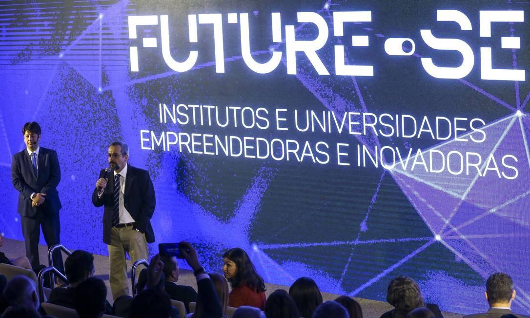 O ministro da Educação, Abraham Weintraub, e o secretário de Educação Superior do MEC, Arnaldo Lima, apresentaram o programa Future-se Foto: Marcelo Camargo / Agência O Globo