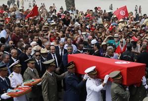 Milhares de pessoas acompanharam a cerimônia Foto: AMMAR AWAD / REUTERS