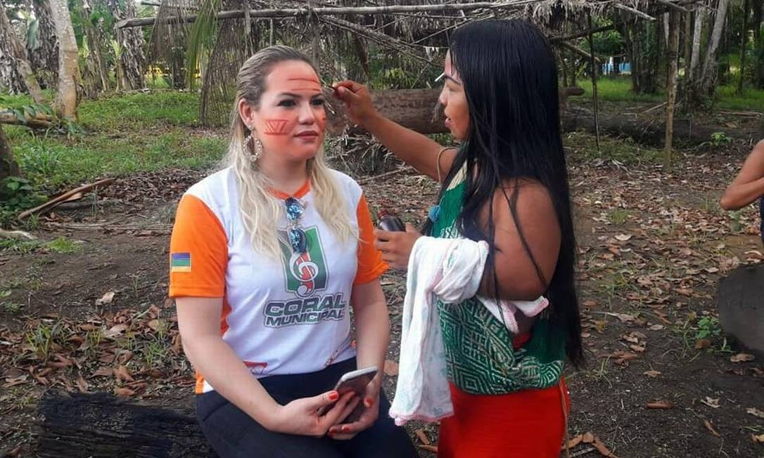 Beth Pelaes, prefeita de Pedra Branca do Amapari, cidade que abriga a demarcação onde vivem cerca de mil índios Waiãpi Foto: Reprodução/Facebook