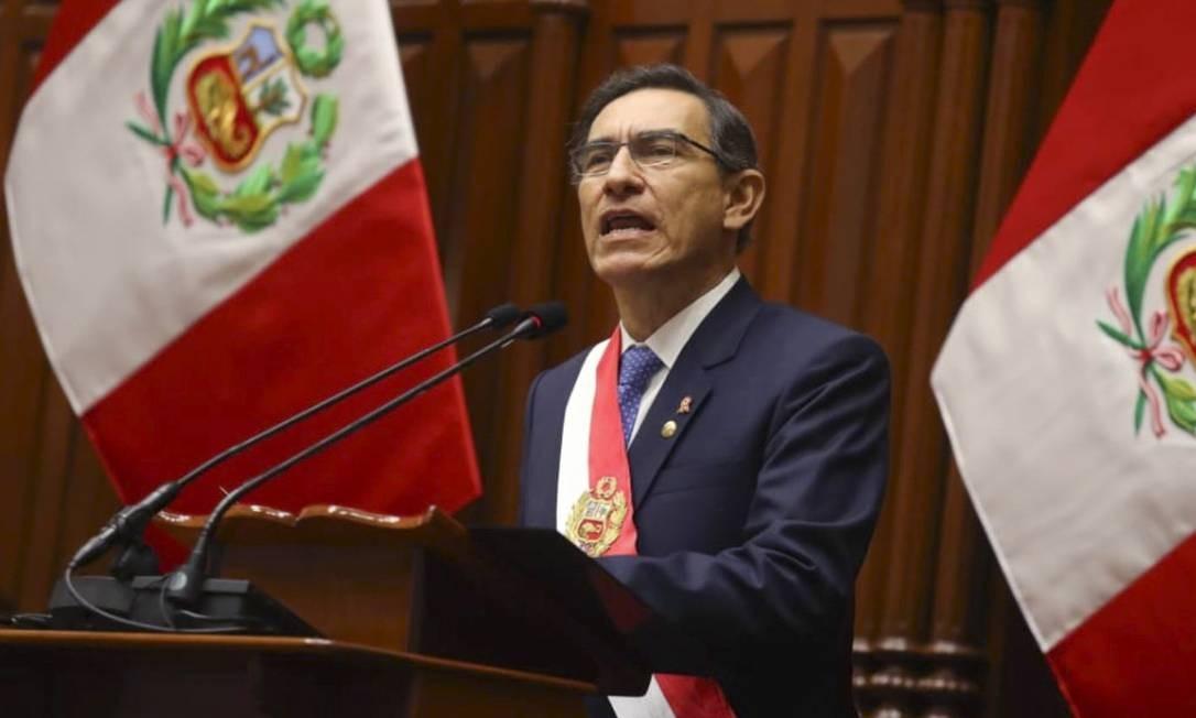 Presidente peruano, Martin Vizcarra, discursa no congresso durante a comemoração do aniversário da independência em Lima Foto: STR / AFP
