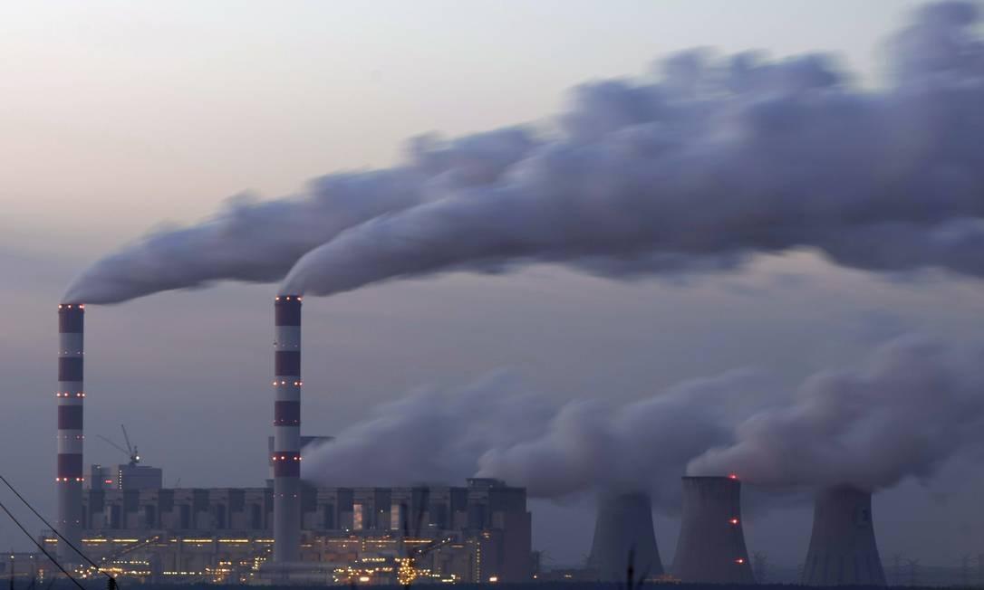 Usina elétrica de Belchatow, na Polônia: ecossistemas comprometidos por poluição Foto: PETER ANDREWS / Reuters