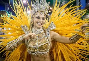 Personagem de Grazi desfila na Sapucai Foto: Raquel Cunha / TV Globo