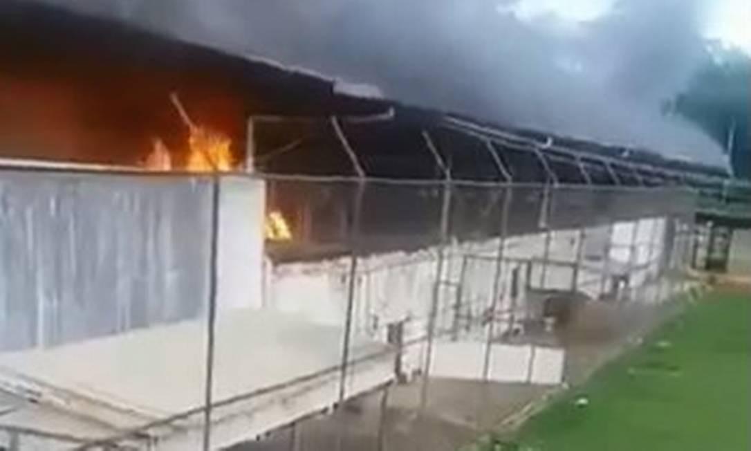 Chamas tomam instalações do presídio de Altamira, no Pará Foto: Reprodução/Twitter