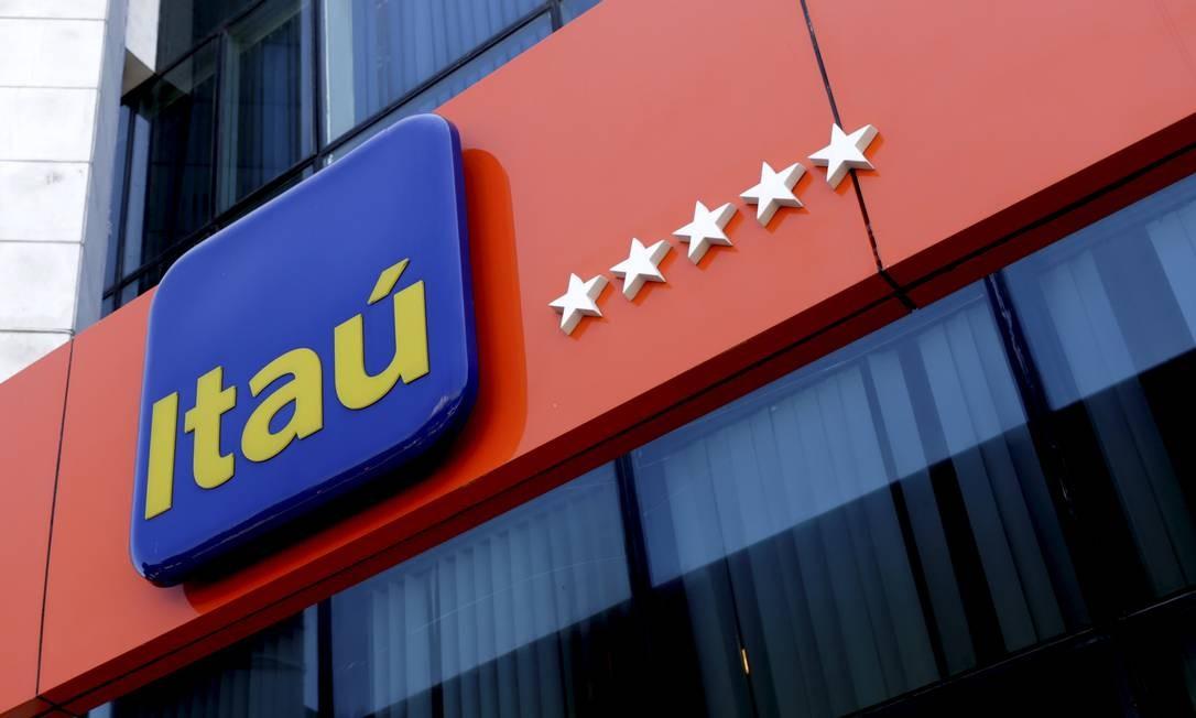 Agência do Itaú: macroeconomia está em alta, diz presidente do banco. Foto: Marcelo Theobald / Agência O Globo