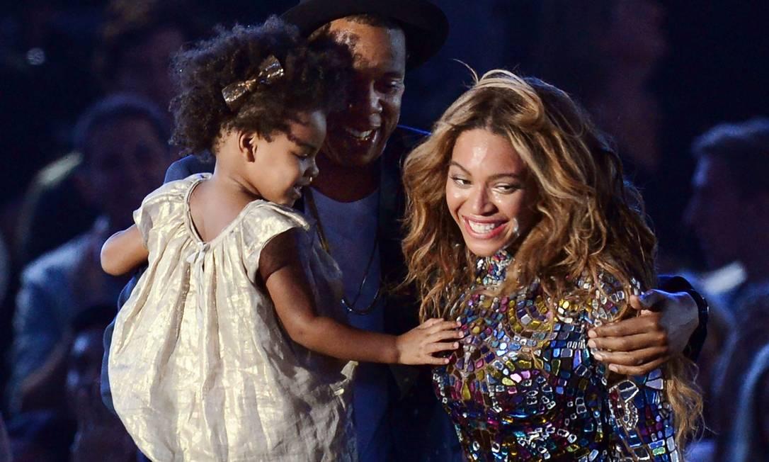 Jay-Z, Blue Ivy e Beyoncé no MTV Video Music Awards de 2019 Foto: ROBYN BECK / AFP