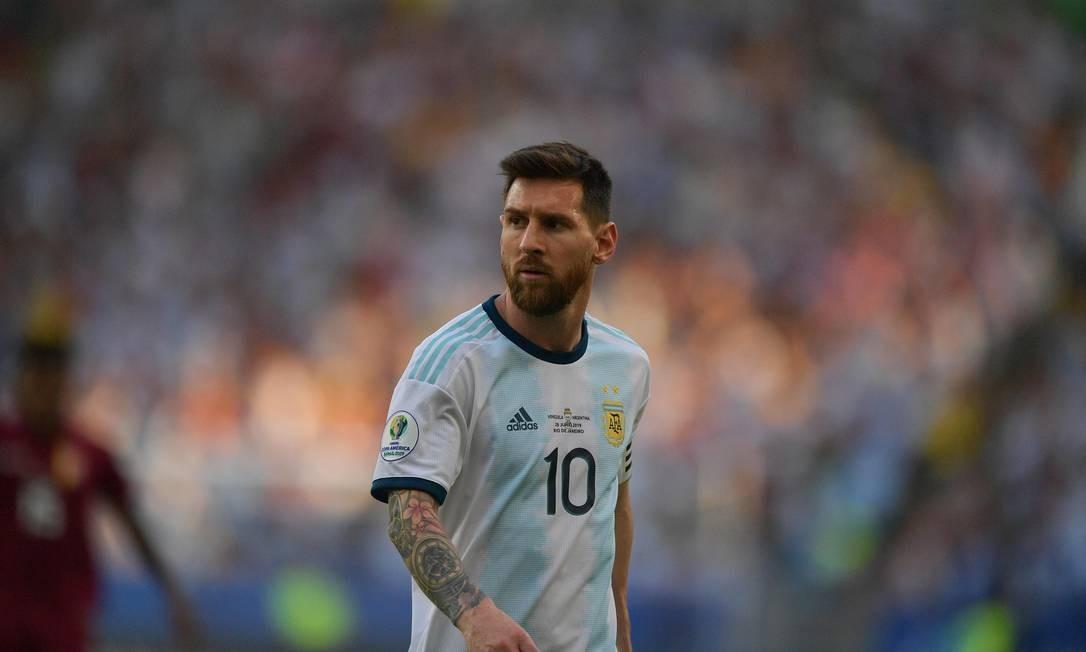 Lionel Messi, do Barcelona, também foi indicado. Messi também já ganhou o prêmio 5 vezes Foto: CARL DE SOUZA / AFP