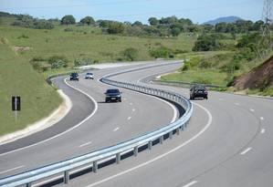 Via é principal elo de ligação entre municípios da Região dos Lagos Foto: Divulgação