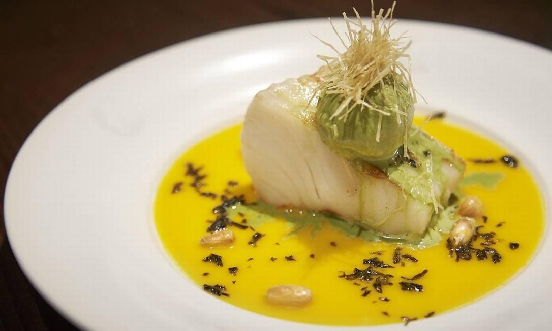 Badejo com molho de pimentão amarelo, receita do Nobu Foto: Divulgação