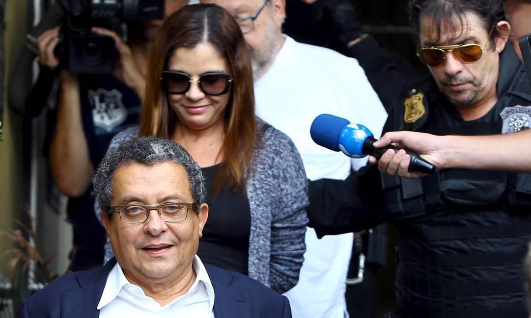 """O publicitário baiano João Santana e sua mulher, a também publicitária Monica Moura, foram alvos da operação """"Acarajé"""", 23ª fase da Lava-Jato, em fevereiro de 2016. Marqueteiro das campanhas de Dilma Rousseff e da reeleição do ex-presidente Lula, em 2006, Santana recebeu US$ 7,5 milhões em conta secreta no exterior, segundo a Polícia Federal e o MPF. Para os investigadores, ele foi pago com propina de contratos da Petrobras Foto: Rodolfo Buhrer / Reuters"""