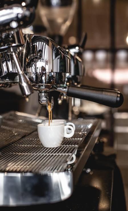 Café ao Leu, Copacabana: máquina de expresso oficial do concurso mundial de baristas Foto: Roma Miranda / Divulgação/Roma Miranda