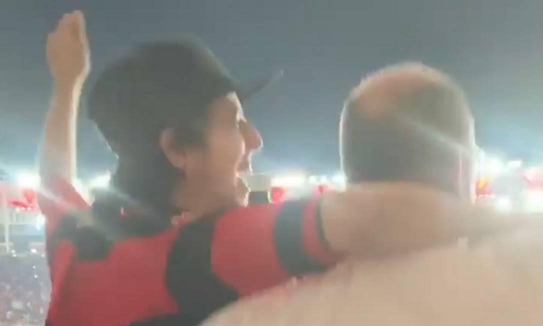 Erick e Wilson Witzel assistem à partida do Flamengo Foto: Reprodução