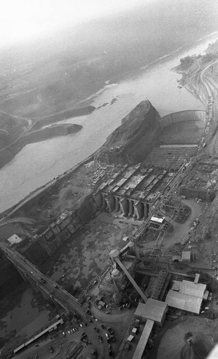 Hidrelétrica de Itaipu, fotografada em 13 de outubro de 1978 Foto: Marcio Arruda / Agência O Globo